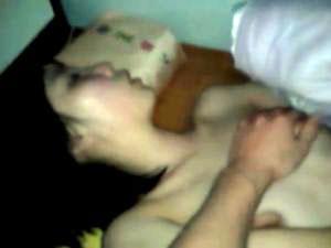 【個人撮影】衝撃 眠ってしまって動けない女の子の体を弄び生チン挿入(くぱぁ有)
