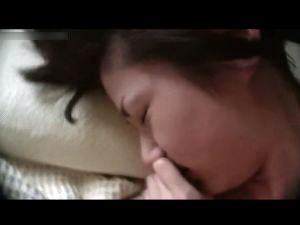 【スマホ撮影】腹筋が美しいスレンダー美人がチンコを味わいながら「イッちゃう♡」